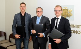Ridesharing platforms Uber and Taxify sign the Memorandum of Understanding with the Ministry of Economics